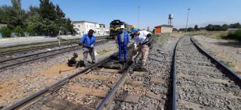 کارگران خطوط ابنیه فنی راه آهن آذربایجان معوقات خود را دریافت نکردند