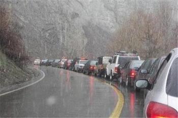 محورهای گیلان و مازندران به تهران قفل شدند/ چالوس-کرج یکطرفه است