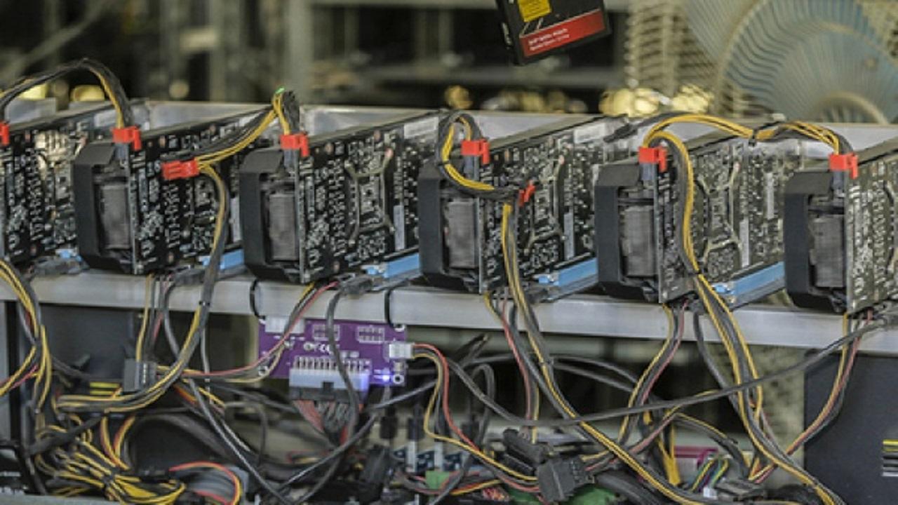 کشف ۳۶ دستگاه استخراج ارز دیجیتال در گرمسار