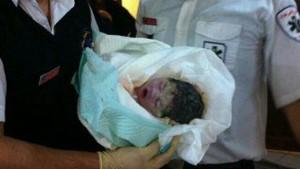 مرگ نوزادی که قلبش سوراخ شده بود / مردم او را در خیابان پیدا کردند