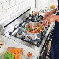 ۵ عادت بد در آشپزی که منجر به سرطان میشود