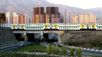 مرگ عابر پیاده با قطار متروی تهران-کرج