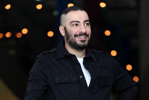 تیشرت و جوراب نوید محمدزاده در آگهی تبلیغاتی حاشیه ساز شد +عکس