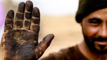 صعود خط فقر به 10 میلیون تومان!/ کارگران برای ادامه تحصیل فرزاندانشان توان خرید موبایل را ندارند