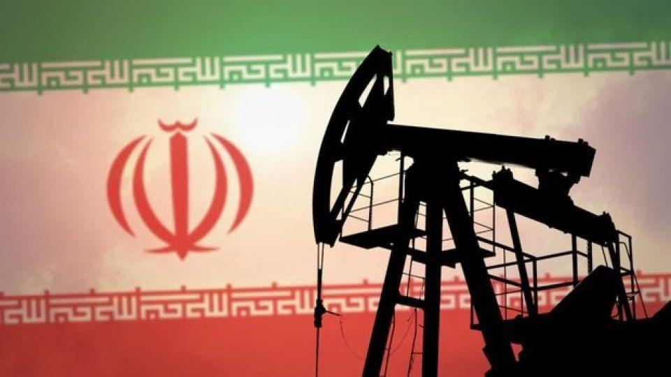 ایران تحریم ها را شکست/رویترز: افزایش بی سابقه فروش نفت ایران/ احتمال سقوط دلار