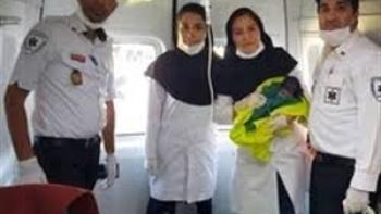 به دنیا آمدن نوزاد دختر در آمبولانس