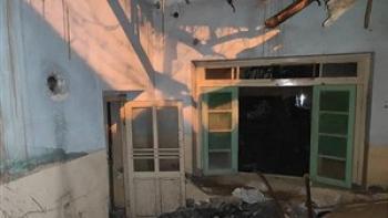 آتش نشانان مرد بیمار و مادرش را از یک قدمی مرگ نجات دادند