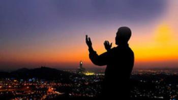 چگونه در نماز توجه حضور قلب داشته باشیم؟