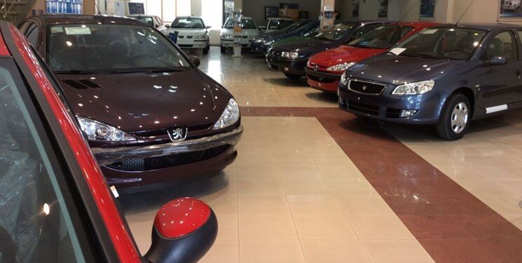 افت ۱۰ میلیون تومانی قیمتها در بازار خودرو/ پراید ۱۱۷ میلیونی هم خریدار ندارد
