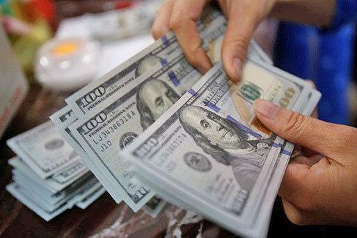 ریزش ها ادامه دارد / دلار وارد کانال ۲۷ هزار تومان شد  صرافیها: خریدار نیست؛ همه فروشندهاند