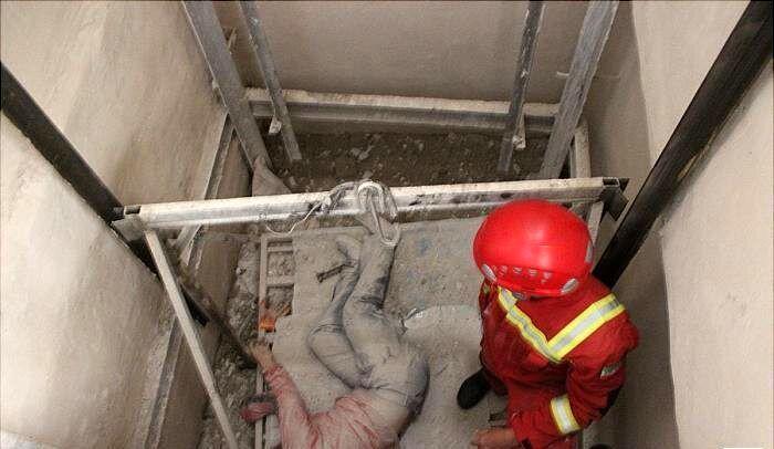 مرگ ۳ کارگر براثر سقوط بالابر در کارگاه مترو
