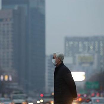 بیش از ۱۵ درصد مرگ ناشی از کرونا با آلودگی هوا مرتبط است