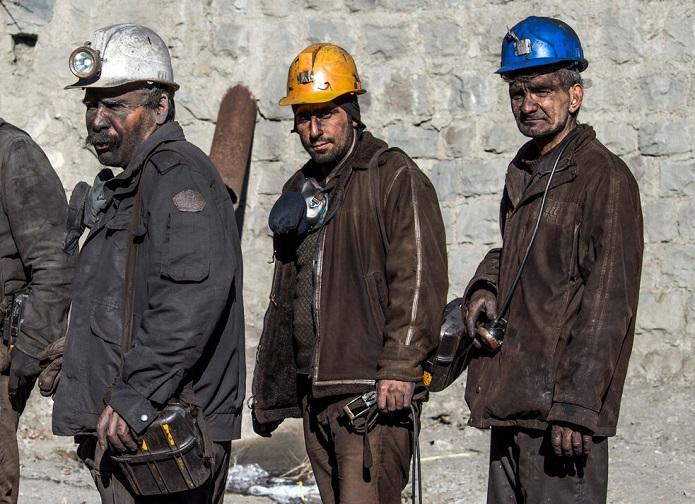 """کارگرانی که حق مسکن ۳۰۰ هزار تومانی را نمیگیرند/ وقتی ترس از """"اخراج"""" مانعِ """"شکایت"""" میشود!"""
