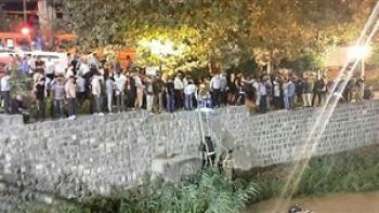 سقوط مرگبار ساینا به داخل کانال آب / 7 عضو خانواده جانباختند