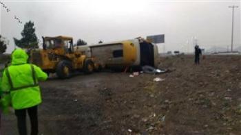 واژگونی مرگبار اتوبوس در هشتگرد 14 مصدوم بر جا گذاشت