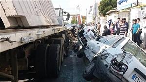 تصادف تریلی با شش خودرو در بزرگراه شهید لشگری
