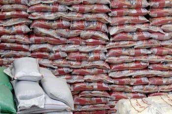 پنج هزار و ۷۰۰ تُن برنج تا هفت روز دیگر ترخیص شود