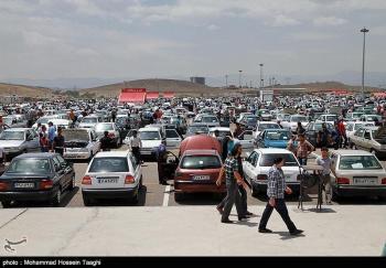 دلالان در بازار خودرو آچمز شدند/فعلا خریداری نیست