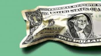 تا پایان سال دلار نخرید