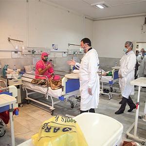 آمار مراجعه کرونایی ها به مراکز درمانی ۴۰ درصد کاهش یافته است