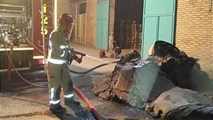 آتش سوزی هولناک در کارگاه تولید مبلمان در محله مرتضی گرد