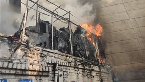 آتش سوزی ساختمان دو طبقه در نظام آباد را نابود کرد