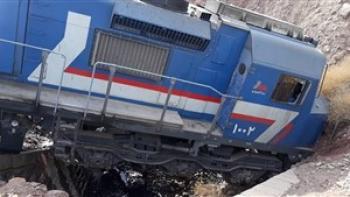 قطار باری از ریل در محورهای راه آهن اصفهان خارج شد