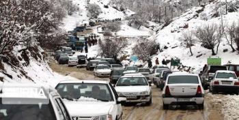 ترافیک سنگین در محور تهران-فشم/بارش باران در جادههای 4 استان