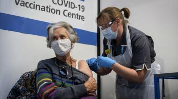چه کسانی فعلا نباید واکسن کرونای فایزر را دریافت کنند؟