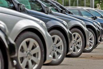 قیمت خودرو کاهشی می شود