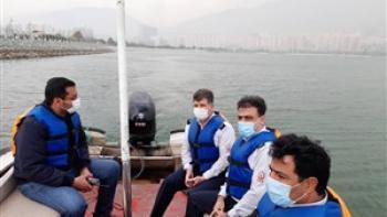 آتش نشانان در جستجوی تمساح در دریاچه چیتگر