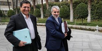 شعبده بازی بودجه ای دولت روحانی/ دولت ارز ۴۲۰۰ تومانی را از کجا تامین میکند؟+ویدئو