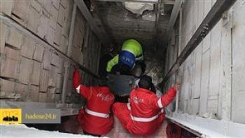 سقوط مرگبار کارگر به چاهک آسانسور