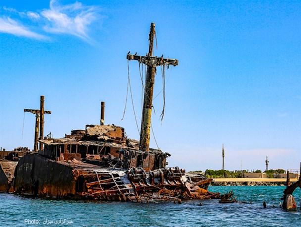 تصاویر/کشتی یونانی رو به ویرانی