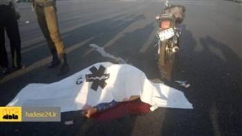 مرگ تلخ موتورسوار در تصادف با اتوبوس