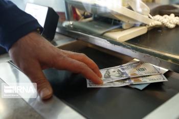 دلار از سد مقاومتی عقب نشست/زیان دیده ها فعال شدند