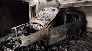 آتش سوزی بی ام دبیلودر پارکینگ ساختمان مسکونی/نجات ۲۵ نفر از میان دود و آتش