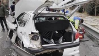 قطع هر دو پای راننده در تصادف  در بزرگراه یادگار امام
