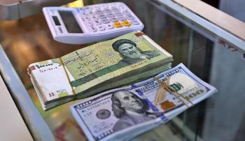 ریزش لحظه به لحظه قیمت ارز/ صرافان چه میگویند؟