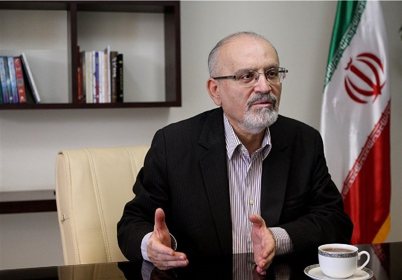 جهان و برجام در دوران بایدن/ ادیب: تورم در ایران ربط چندانی به تحریم ها ندارد/ تحریم بانکی فقط هزینه انتقال پول را افزایش داده