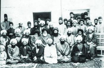 حرم مطهر؛ کانون نخستین قیام مشهد در تاریخ معاصر
