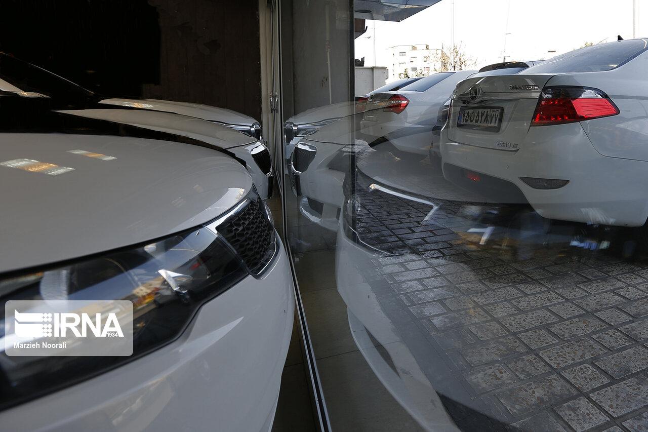 خودرو بین ۱۰ تا ۲۰ میلیون تومان دیگر باید ارزان شود