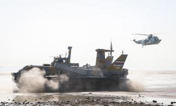 دولت ملکف به تامین اعتبار برای احداث زیرساختها و استقرار نداجا در سواحل مکران شد