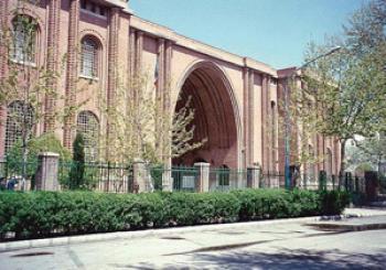 بیست و پنج سال نگهداری اشیای عتیقه تقلبی در موزه ملی