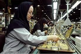 قانون کار قشر زنان کارگر را در فرزندپروری یاری کند