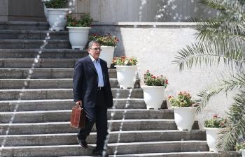 رییس کل بانک مرکزی: نمیدانم چقدر حقوق میگیرم/ وام بانکی نگرفتهام