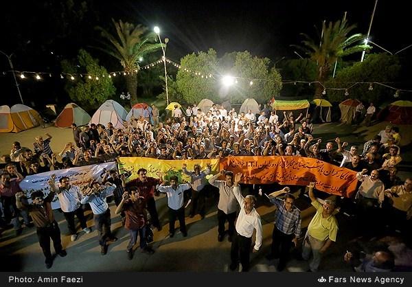 چادر نشینی کارگران مقابل کارخانه آی.تی.آی شیراز /تصاویر