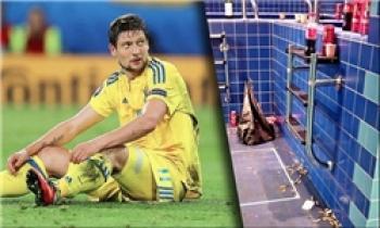 مشروبات الکی و سیگار در رختکن تیم ملی اوکراین!!!/ عکس