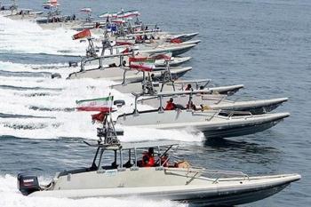 قایقهای سپاه، ناو آمریکایی را محاصره کردند