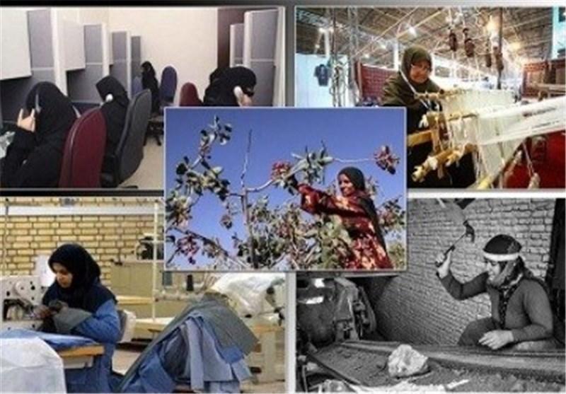 نمایشگاه توانمندیهای زنان کارآفرین در اراک برپا شد